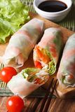 Sliced the spring rolls with shrimp and vegetables close up. Ver Royalty Free Stock Photography