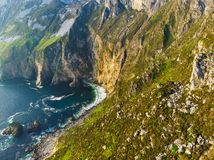 Slieve liga, klippor Irelands för högst hav som lokaliseras i södra västra Donegal längs denna storartade costal körande rutt royaltyfria foton