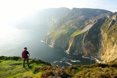 Slieve liga, klippor Irelands för högst hav som lokaliseras i södra västra Donegal längs denna storartade costal körande rutt arkivfoto