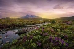 Sligachan flod, Skottland Arkivbilder