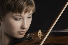 Slight Smile on Teenage Girl Violinist Stock Photos