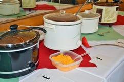 Slijpstofpotten voor Spaanse pepercook-off Stock Fotografie