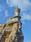 Slik het Nest van ` s - een vesting die in de hemel in de Krim drijven stock foto