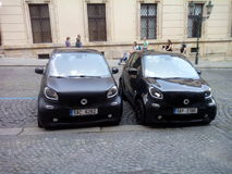 Slimme auto's in Praag, Malà ¡ Strana stock fotografie