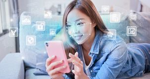 Slimme telefoon met gezichtserkenning royalty-vrije stock afbeelding