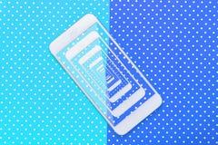 Slimme telefoonfotografie met gekleurde achtergrond stock afbeeldingen
