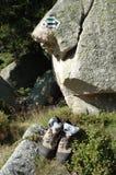 Slingatecken och trekking skor Royaltyfri Foto