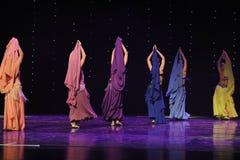 Slingerende buik cijfer-Turkije de dans-de werelddans van Oostenrijk Stock Foto