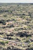 Slingrar gångbanan till och med lavafält på dalen av bränder Recrea Fotografering för Bildbyråer