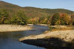 Slingrig kanal av den Pemigewasset floden, New Hampshire Royaltyfria Foton