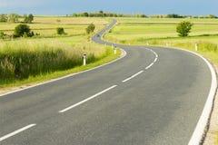 Slingrig landsväg Royaltyfria Bilder