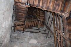 Slingrig trappa i det Asinelli tornet 97 M Bologna Emilia Romagna, Italien Arkivbild