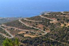 Slingrig väg, Kreta, Grekland Royaltyfri Foto