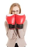 Slitage boxarehandskar för kvinna Arkivfoto