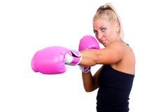 Slitage boxninghandskar för kvinna Arkivbild