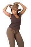 Slitage cowboyhatt för svart kvinna Royaltyfria Bilder