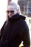 slitage för solglasögon för modemodell Royaltyfri Foto