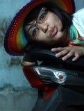 slitage kvinna för färgrik hatt Fotografering för Bildbyråer
