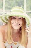 slitage kvinna för härlig hatt Royaltyfri Bild