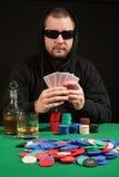 Slitage solglasögon för pokerspelare royaltyfri fotografi