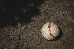 Sliten baseballboll Royaltyfri Bild