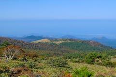 slocknad vulkan, Jeju Halla Mountain, Eorimok rutt Fotografering för Bildbyråer