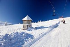Slopeof a montanha com reboque de corda Fotografia de Stock Royalty Free