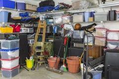 Slordige Ingepakte Garage Stock Fotografie
