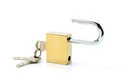Slot en sleutels op witte achtergrond wordt geïsoleerd die royalty-vrije stock fotografie