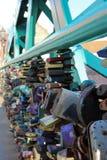 Sloten op een brug Stock Foto