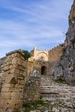Slott av Acrocorinth, övreCorinth, akropolen av forntida Corinth Royaltyfri Fotografi