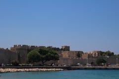 Slott av den storslagna förlagen i staden av Rhodes, Grekland Royaltyfri Bild