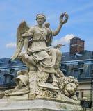 Slott av den Versailles statyn Royaltyfria Foton
