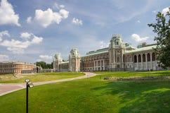 Slott av drottningen Ekaterina Second Great royaltyfri bild