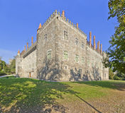 Slott av Duquesen av Braganca, en medeltida slott och museum i Guimaraes Royaltyfri Bild
