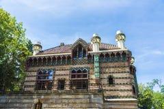 Slott av El Capricho av arkitekten Gaudi, Spanien Royaltyfria Foton