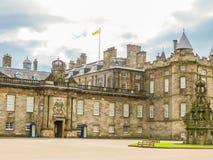 Slott av Holyroodhouse Edinburgh Skottland, UK royaltyfri bild