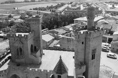 Slott av Olite i svartvitt Arkivfoton