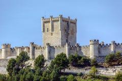 Slott av Penafiel, Valladolid, Spanien Royaltyfri Foto