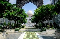 Slott av rättvisa i Putrajaya, Malaysia Arkivbilder