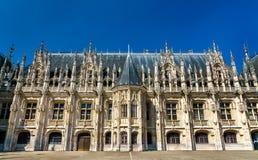 Slott av rättvisa i Rouen - Normandie, Frankrike fotografering för bildbyråer