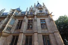 Slott av rättvisa av Rouen, huvudstaden av regionen av övreNormandie, Frankrike arkivbilder