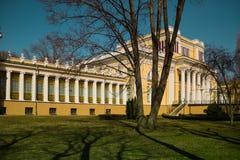 Slott av Rumyantsevs och Paskevichs i Gomel, Vitryssland arkivfoto