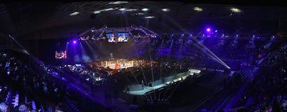 Slott av sportar i Kyiv under afton av boxning Royaltyfria Bilder