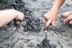 Slott av svart sand Arkivbild