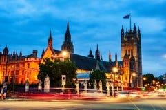 Slott av Westminster i London på natten Royaltyfria Foton