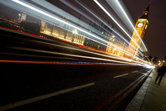 Slott av Westminster på natten Arkivbilder