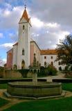 Slott Bitov, kyrka, tjeckisk republik, Europa Royaltyfri Fotografi