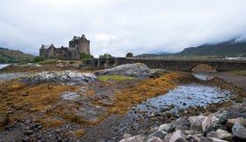 slott donan eilean scotland Arkivfoto