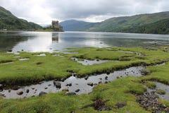 slott donan eilean scotland Fotografering för Bildbyråer